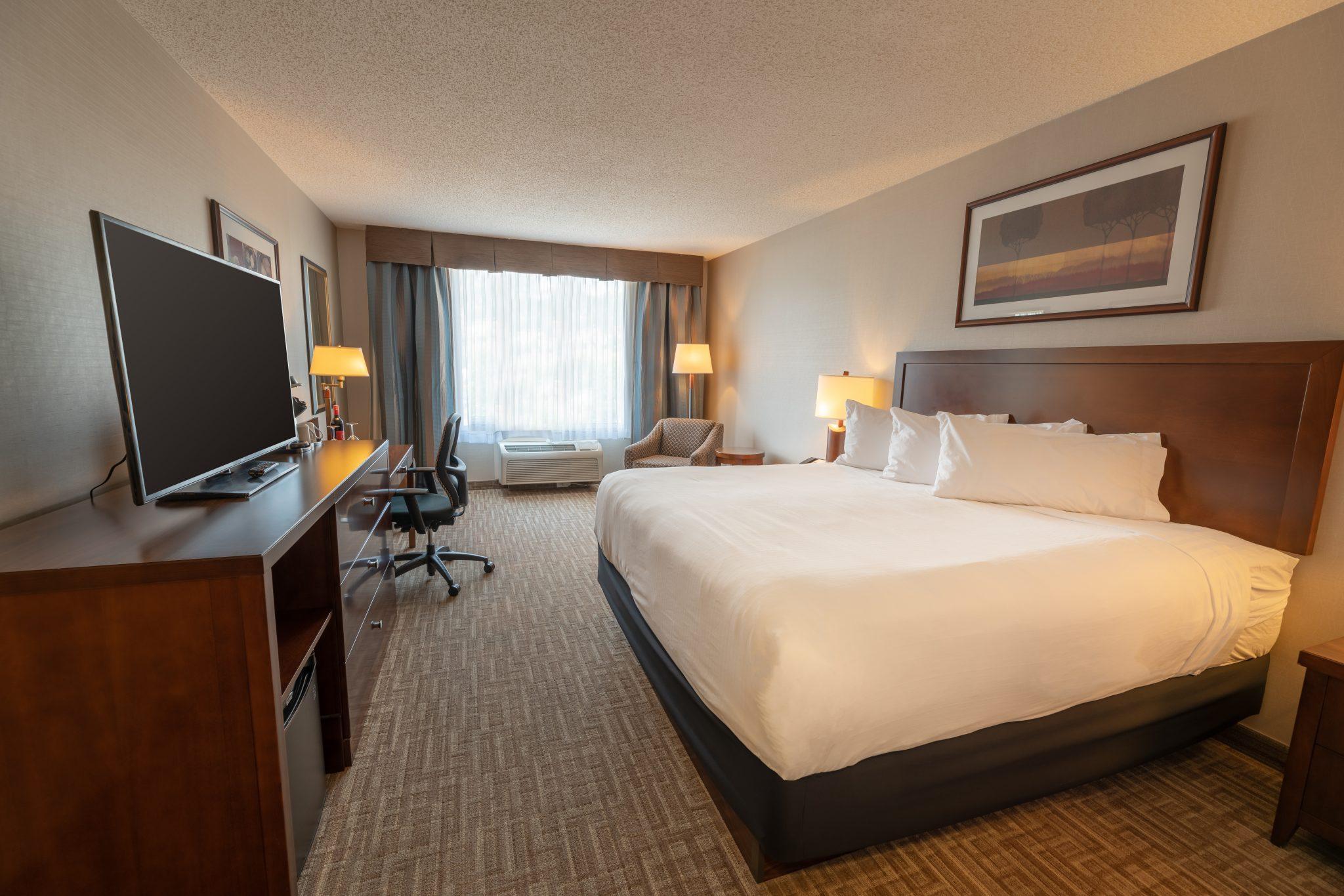 hotel in kelowna Kanata Inns Kelowna Deluxe King