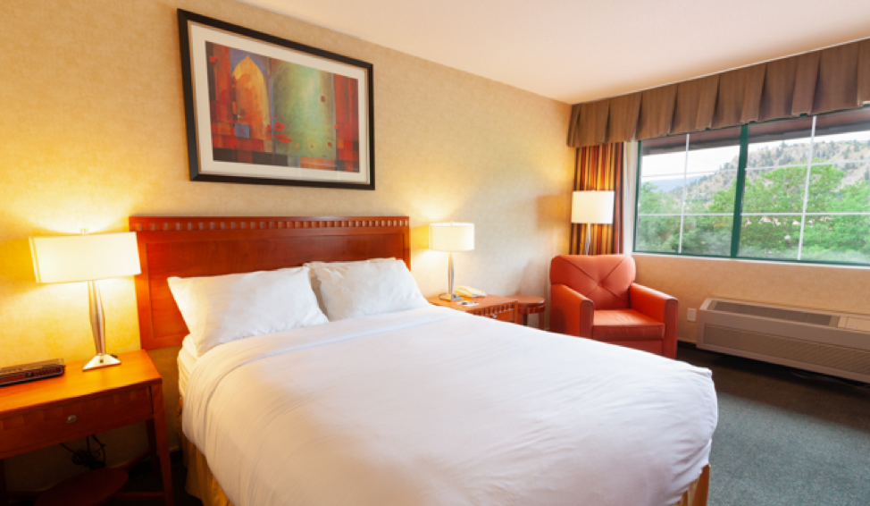kanata hotels in kelowna single queen
